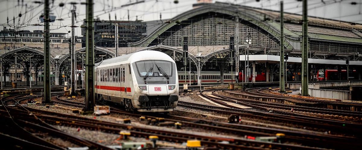 AKTUALNOŚCI: Otwarcie postępowania układowego wobec spółki z branży kolejowej zarządzanej i reprezentowanej przez Małgorzatę Sawę